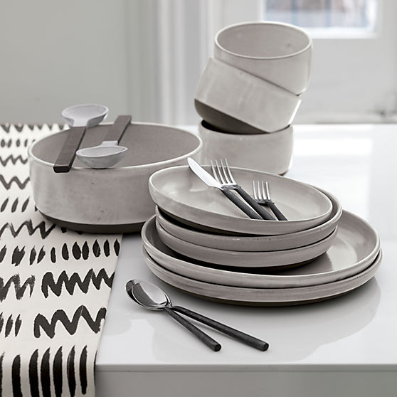 black-clay-dinnerware