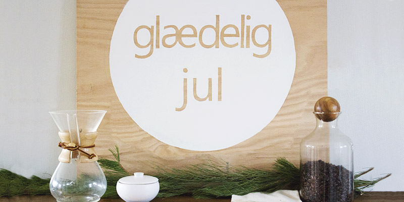DIY Scandinavian Christmas Wall Sign