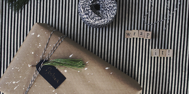 DIY Modern Christmas Gift Wrap