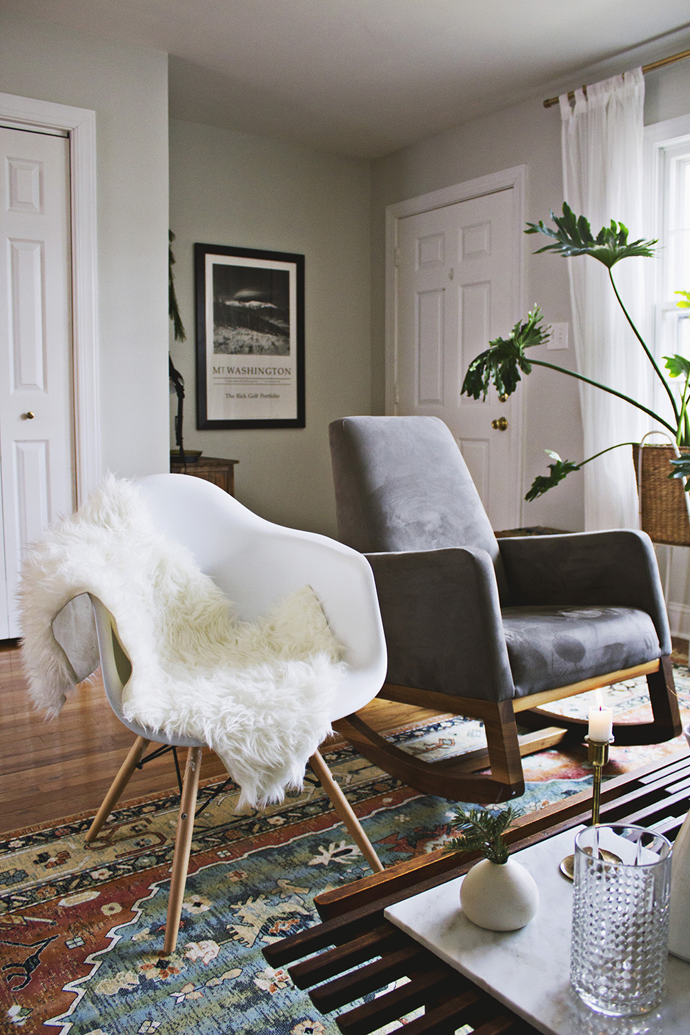 Holiday Home Tour: Mid-Century Modern Christmas Decor