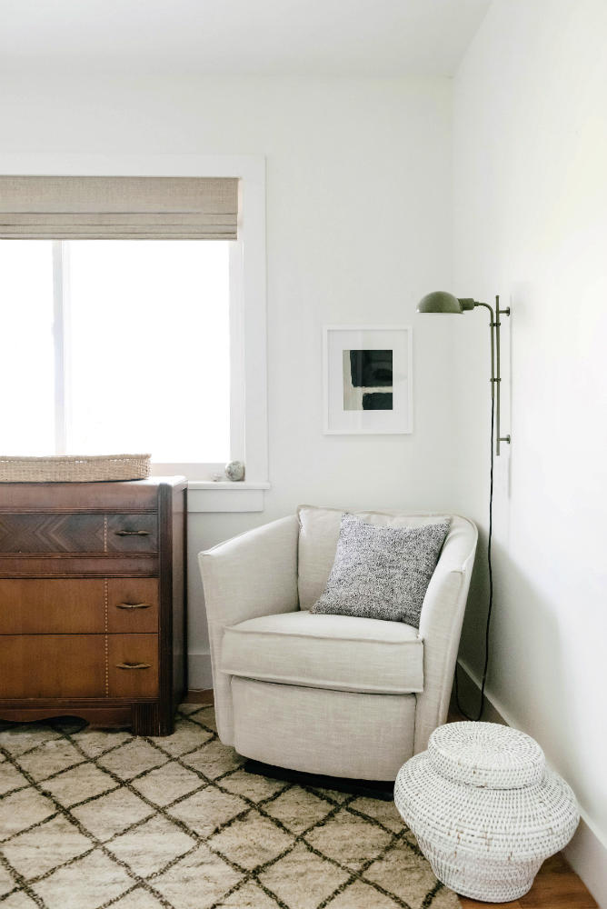 arm-chair-with-lamp-in-bursery