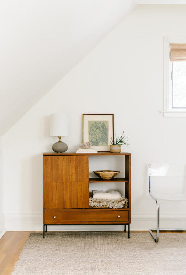 bedroom-wooden-side-table