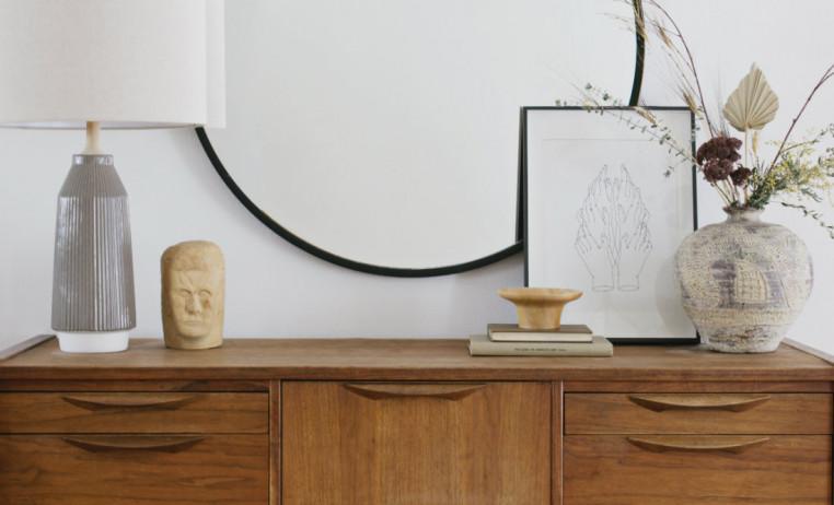sidetable-wooden-art-books-mirror