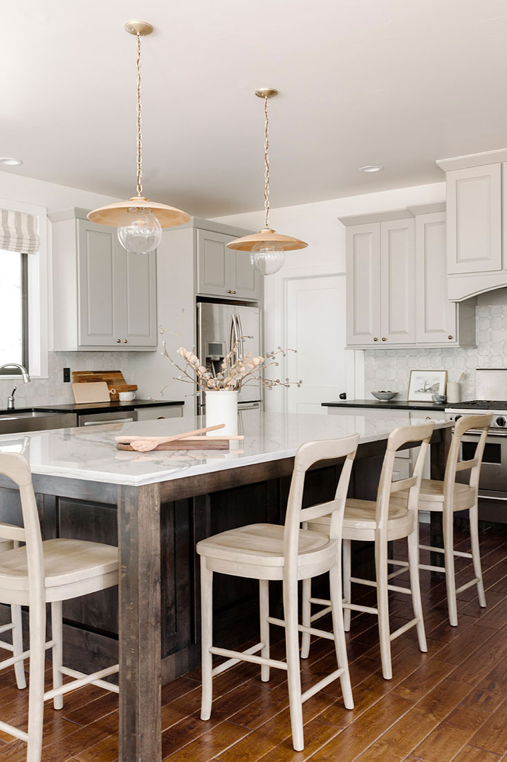 annabode-interior-design-kitchen-barstools-golden-co